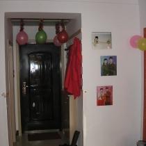 门厅,在墙上花100挖个洞打个鞋柜