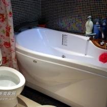 主卫按摩浴缸