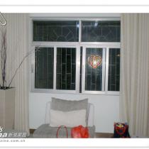 客厅的窗户与窗帘,买的二手房,没有换窗户了