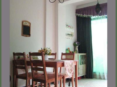 另外一个角度看餐厅,家里所有的灯都是淘宝网上买的,一共才花了几百元