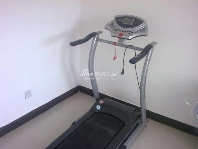 小健身房没钱啊 没设备