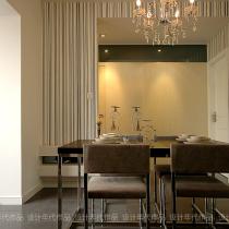 来张餐厅的,那个水晶灯是千挑万选才选中的,呵呵~~~造价是398RMB