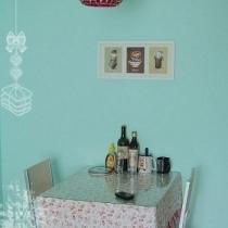 两个人的小餐桌,来客人了可以打开,立马变成两倍的大小