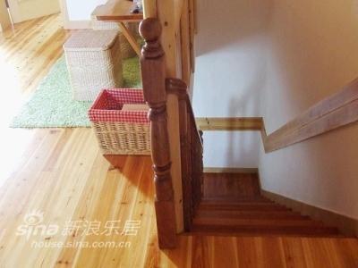 从楼梯走上去