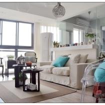 客厅的采光 自然光很好的 客厅没有开任何灯 追求自然的生活