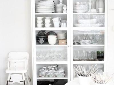 这个收纳架可以用来收纳最常用的厨房用具,方便你的生活。