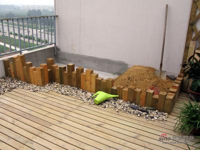 平台东墙花池