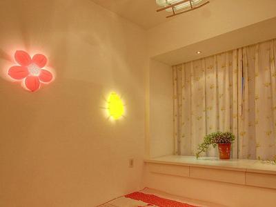 这是小孩房 很温馨吧。布置的是十分可爱!