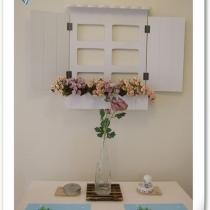 我给饭厅开了一扇小窗,小窗是淘宝的,花还是一德路的