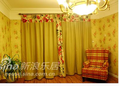 上窗帘照片,先来客厅的