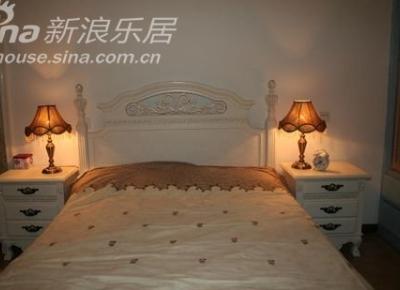 主卧:超喜欢的田园风格双人床;床头灯同样来自淘宝