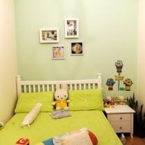 看看宝宝房间,有点田园的风格