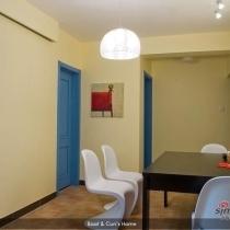 饭厅的另一个角度,白色的潘东椅买的很满意