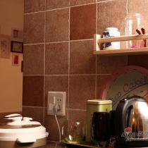 吧台一角,烧茶水的,充分利用资源呐。