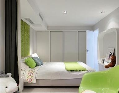 卧室的房间非常的宽敞 因为把阳台做成了塌塌米。