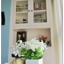 一把清幽的花束,衬托的家里温情脉脉