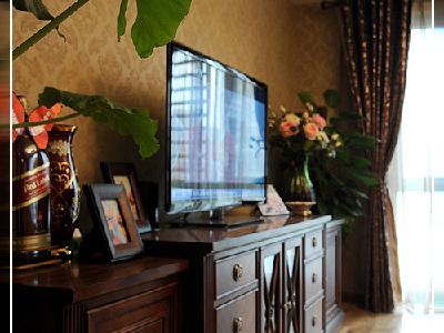美式家具虽有不少的流派,但一般给人的印象是体积庞大厚重,非常的自然且舒适,充分显现出乡村的朴实风味。