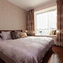 卧室的另一个角度