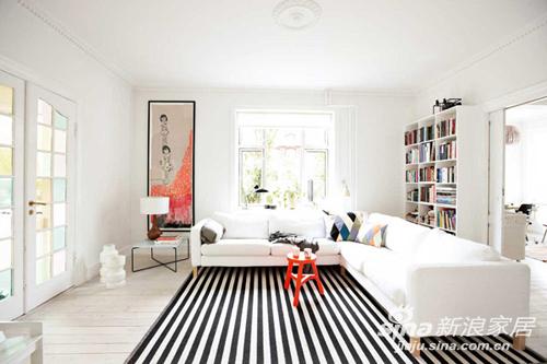 用条纹设计的物品装点空间,能快速让家变得年轻而富有活力,条纹布艺、条纹壁纸、条纹天花板,甚至是条纹的饰品,都能让家潮流起来......