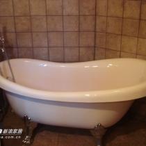 一个卫生间实现了浴缸和淋浴房共存,谁叫我家就一个卫生间呢 我要两个啊~~!!!!!!