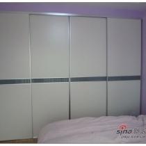卧室的衣柜