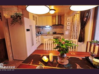 从餐厅看厨房,终于实现了开放式厨房的梦想