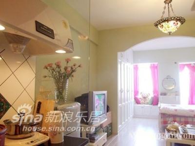 厨房、客厅、卧室一线