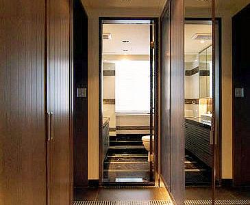 参赛No.2选手:7.5万打造122P现代简约美家卧室门口