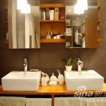 双台盆,爽,柜子有好多存放空间,镜子可以左右移动,最喜欢了