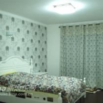 主卧室,照片拍的不好,实际很唯美的