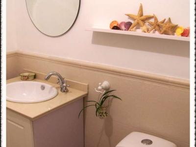 这个是老妈房里的卫生间,没做门