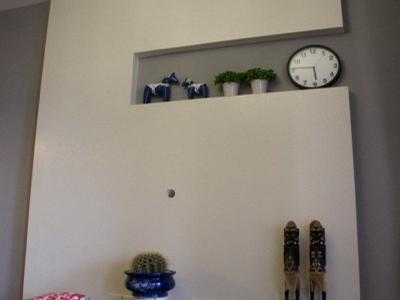在来看看电视墙。像不像一个超大的数字6。。