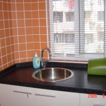 来张亮点的。因为厨房小,所以只能用单槽。