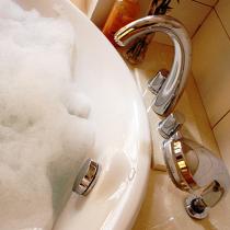 我的最爱,我家的浴室! 有一个很大浴缸