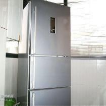 厨房,冰箱,百叶窗帘