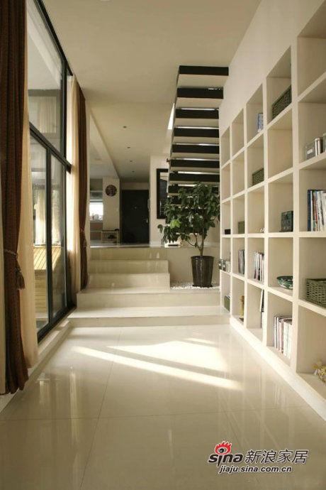 楼梯下的收纳柜