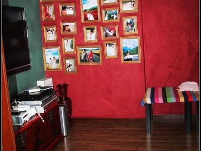 影音室!我和老公最爱呆的地方。里面还有WII和X360等游戏,没有宝宝的时候时间都是在这里消耗掉的