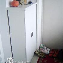 根据家里空间狭小的特点,定做的鞋柜