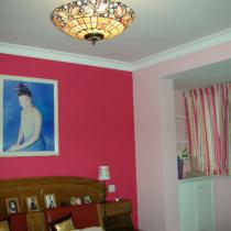 俺的卧室,是内阳台的关系,所以看起来蛮大滴,背景墙是玫瑰红,配白色家具更好,因为俺这套家具蛮巨滴,舍不得换,俺又很喜欢玫瑰红,