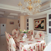 艺术品般的装饰让居室的每个细部熠熠生辉