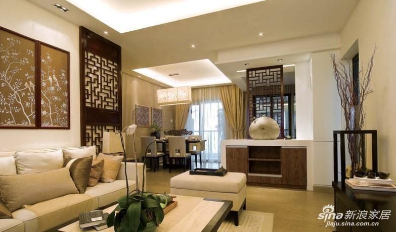 客厅看餐厅角度,与中式主题风格很相符