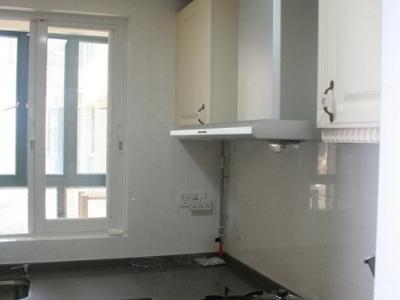 厨房(图片上不明显,其实台面上有好多闪闪的彩贝,超喜欢闪闪的)