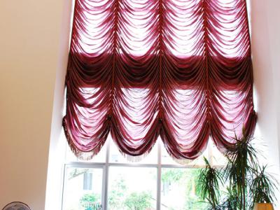 客厅最具装饰性的就是这幅大窗帘了,走了很多店子,最终选择了摩力克