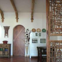 过厅门后是厨房