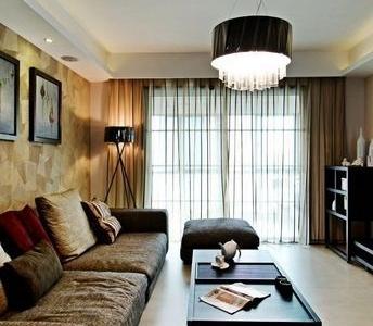 沙发是我们选了很久的,最后定下这个颜色,耐脏而且座着舒服。