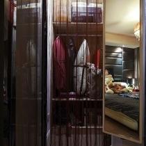 移门衣柜+很迷你的走入式衣柜