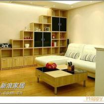客厅:阶梯式展示柜,茶几,皮沙发。展示柜和茶几可是我们自己设计的哦