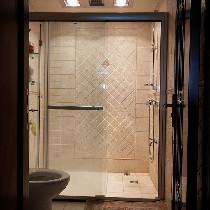 就连淋浴房的感觉也很温馨