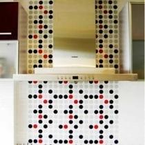厨房是所有空间中色彩最灵动跳跃的