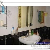 三上卫生间...站在浴缸那向相反的方向照...